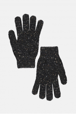 An Ivy Donegal Gloves