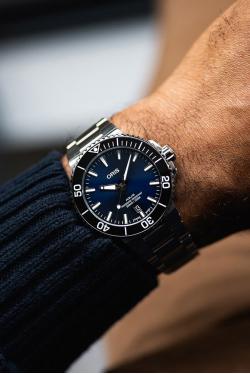 Oris Aquis Date Blue Watch